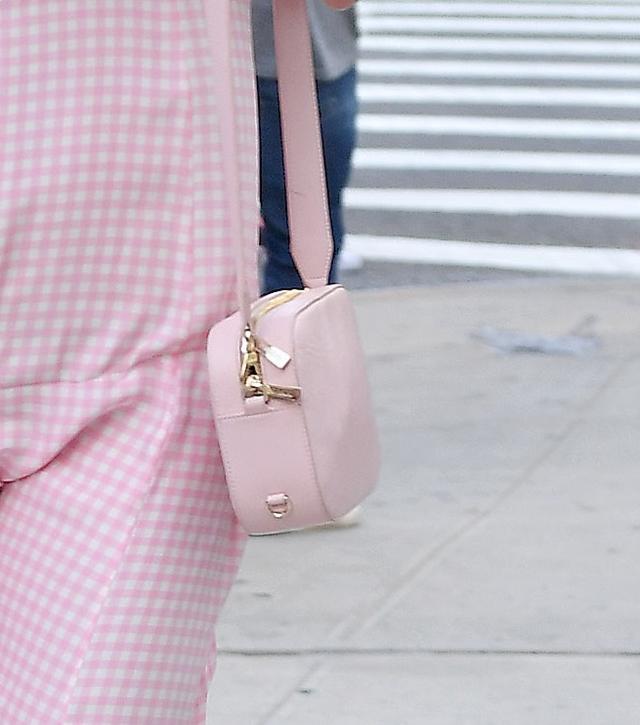 画像3: 全身ピンク!スキ・ウォーターハウスのレトロなワンピースが可愛すぎる
