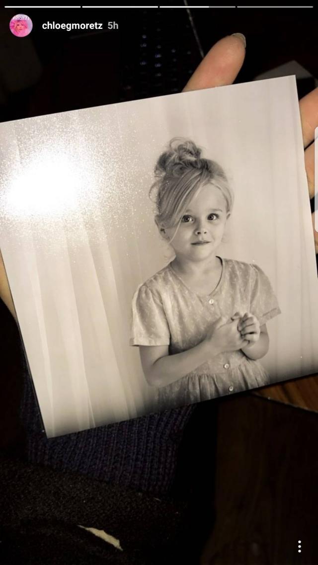 画像3: クロエが可愛すぎる幼少期の写真を公開