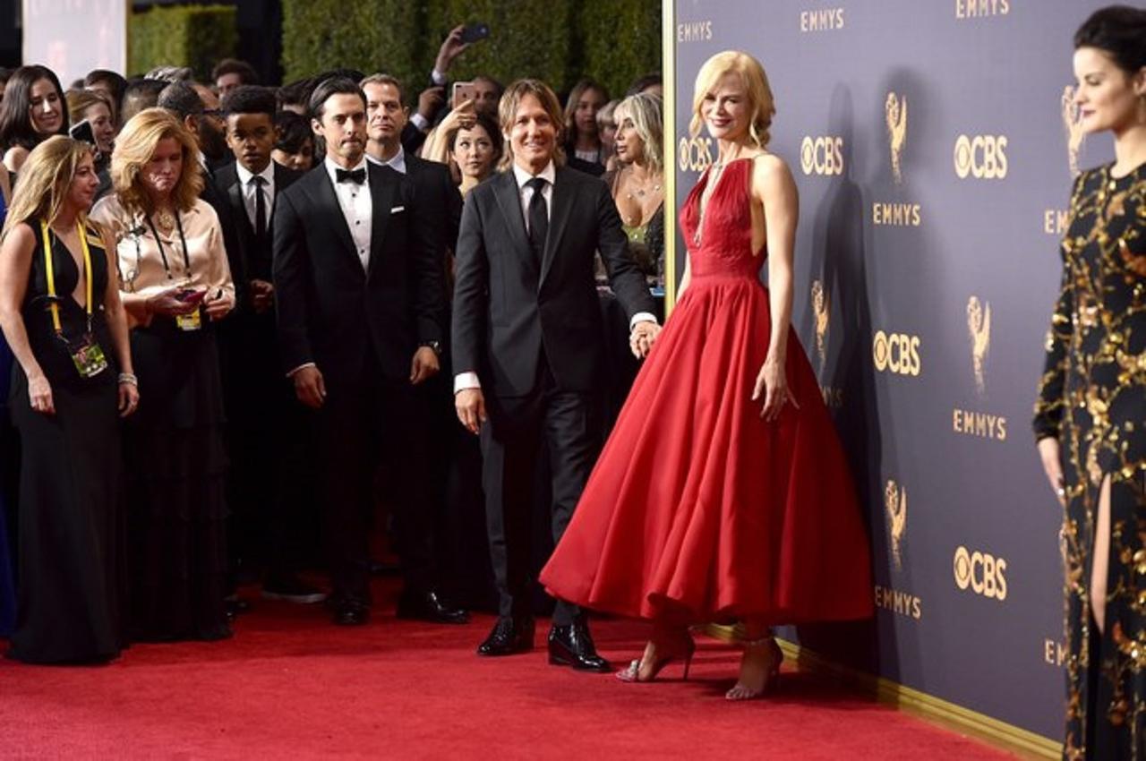 画像: ドラマ界の最高峰!第69回エミー賞のレッドカーペット・ファッションをレポート