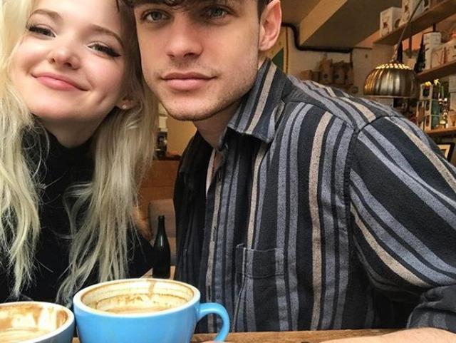 画像: 2人ともコーヒー好きだからカフェデート率多め。©Thomas Doherty
