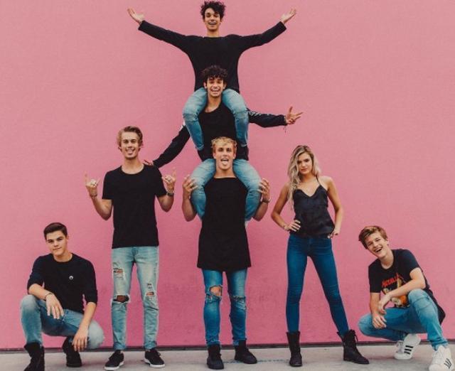 画像1: 面白い動画を作るグループ「Team 10」に所属していた