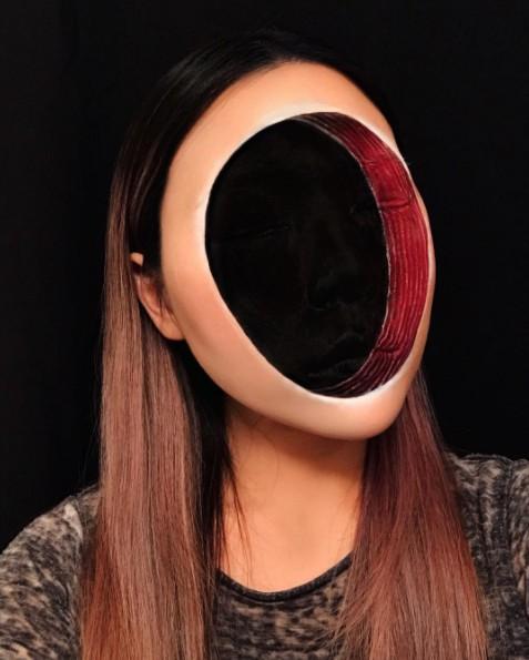 画像1: 「顔のない」メイクがホラーでしかない