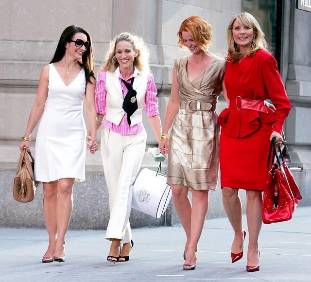 画像: 主人公キャリーのファッションを忠実に再現