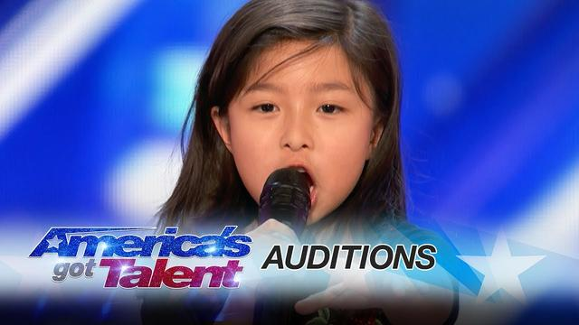 "画像: Celine Tam: 9-Year-Old Stuns Crowd with ""My Heart Will Go On"" - America's Got Talent 2017 www.youtube.com"