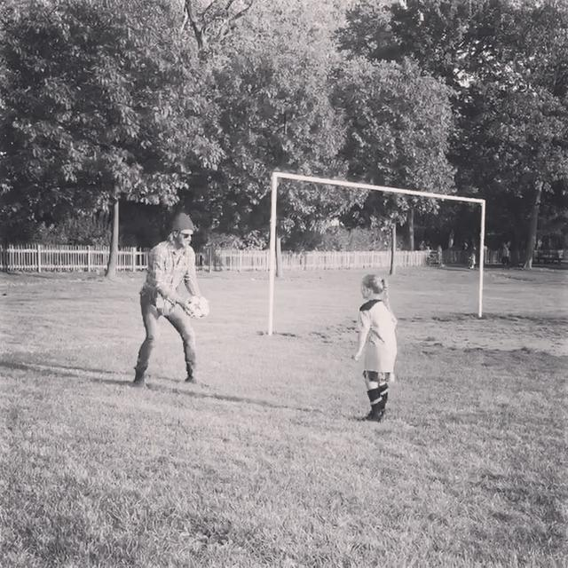画像1: Instagram post by David Beckham • Sep 28, 2017 at 9:58pm UTC www.instagram.com