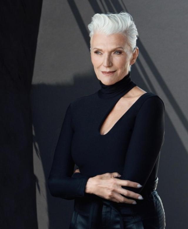 画像: キャリアは50年以上!69歳モデルが米有名コスメブランドの広告塔に