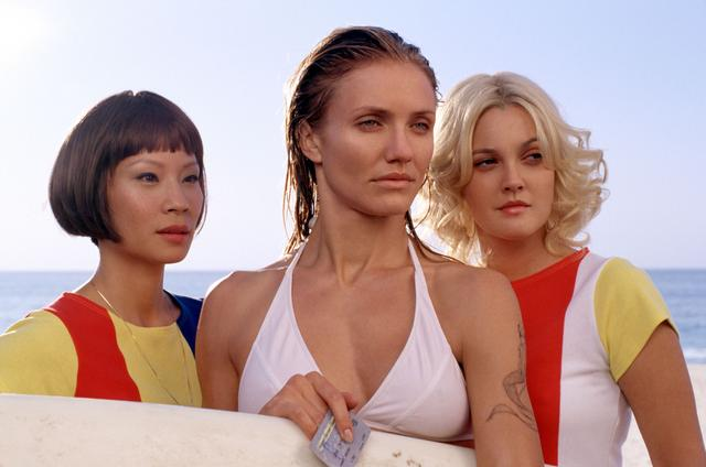 画像: 映画シリーズで主演を務めた(左から)ルーシー・リュー、キャメロン・ディアス、ドリュー・バリモア。