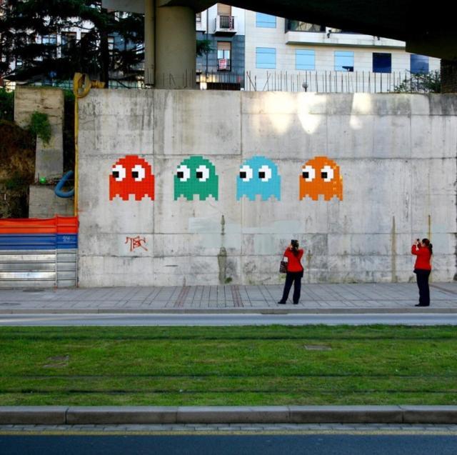 画像: 「パックマン」もピクセルアートの1例。どこか懐かしいポップさが人気で、現在でもストリートアートなどに取り入れられている。©invaderwashere