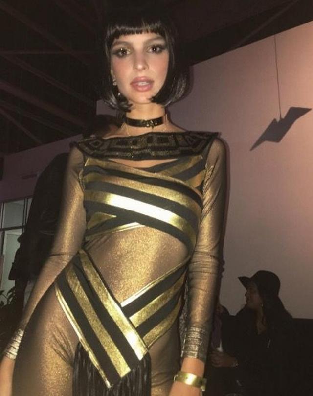 画像: モデルのエミリー・ラタコウスキー