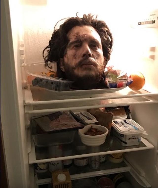 画像1: 冷蔵庫に生首!?