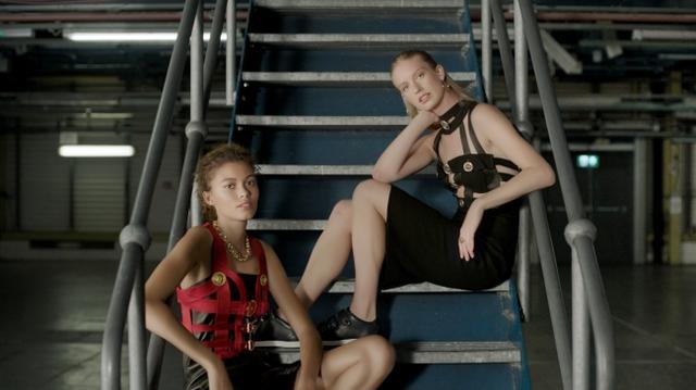 画像3: Versaceのヴィンテージコレクションが500点が一挙公開