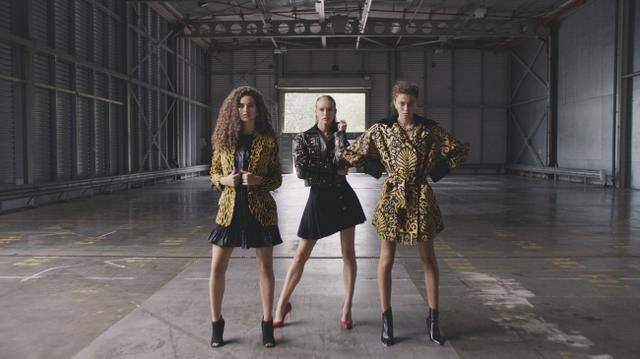 画像1: Versaceのヴィンテージコレクションが500点が一挙公開