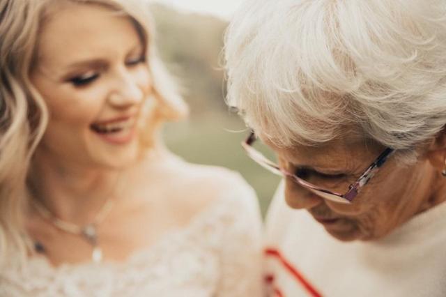 画像4: 1枚のドレスは、世代を超えて幸せを運んだ