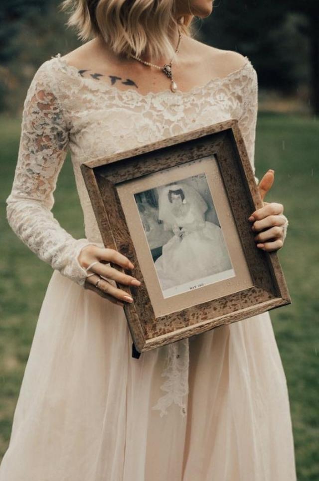 画像1: 1枚のドレスは、世代を超えて幸せを運んだ