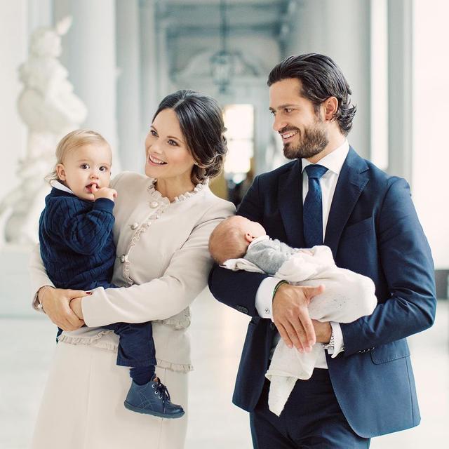画像: スウェーデン王室が初めて公開した王子の家族写真が美しすぎる