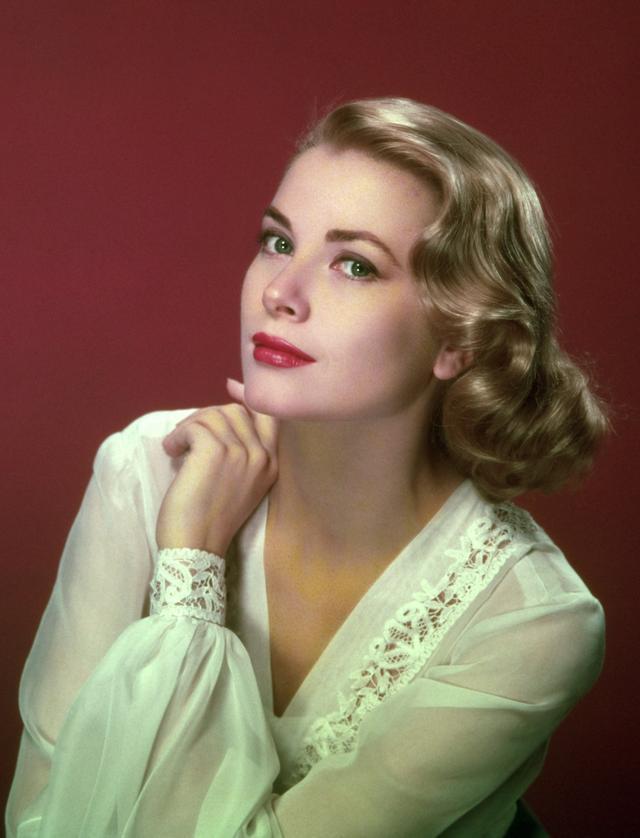 画像1: グレース・ケリーの19歳孫、遺伝子を受け継いで美女に成長