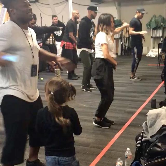 画像1: Instagram投稿の投稿者: Jenna Dewan Tatumさん 日時: 2017 10月 9 9:58午後 UTC www.instagram.com