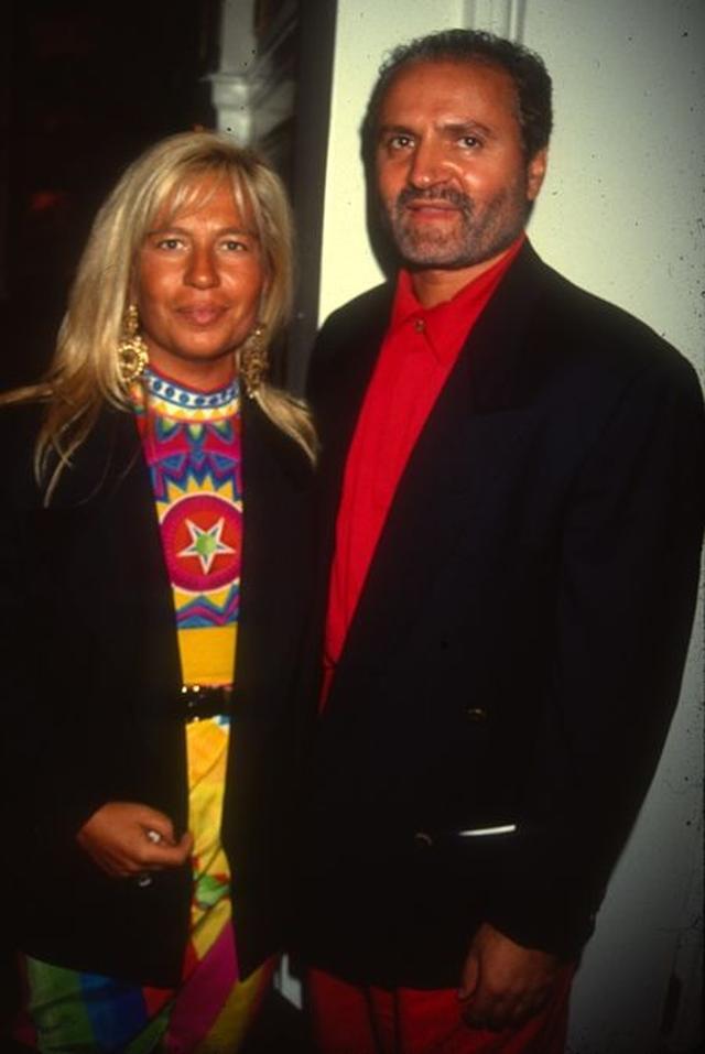 画像: 右:ドナテラ・ヴェルサーチ、左:ジャンニ・ヴェルサーチ