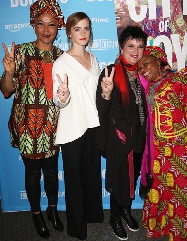 画像3: エマ・ワトソンが女性の支援団体「シティ・オブ・ジョイ」の映画プレミアに登場