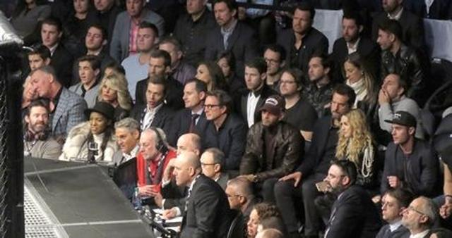 画像: この日会場には、俳優のヒュー・ジャックマン、シンガーのニック・ジョナスとデミ・ロヴァート、音楽プロデューサーのスウィズ・ビーツなどのセレブも来場していた。