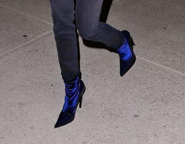 画像3: パンプス?ブーツ?ケンダル・ジェンナーが履く一風変わったシューズに注目