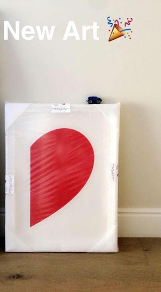 画像: 「新しいアートよ」と紹介したのは、シンプルだけど可愛い半分になったハート。