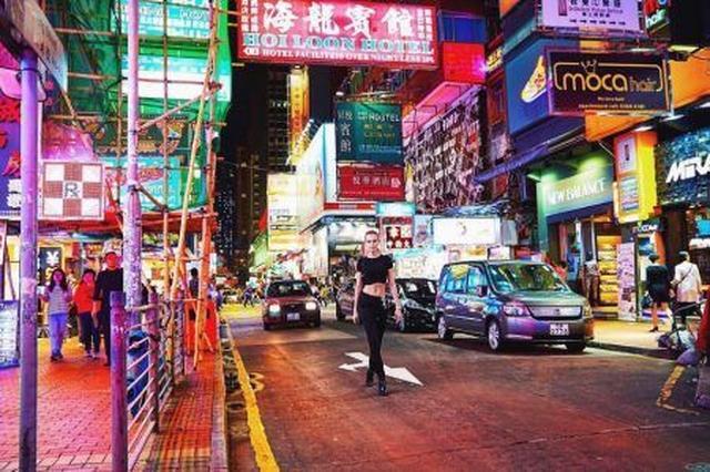 画像: ジョセフィンは香港へも足を伸ばして。