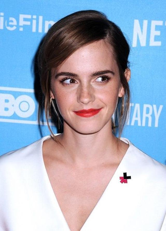 画像: HeForSheのバッジを着けて。