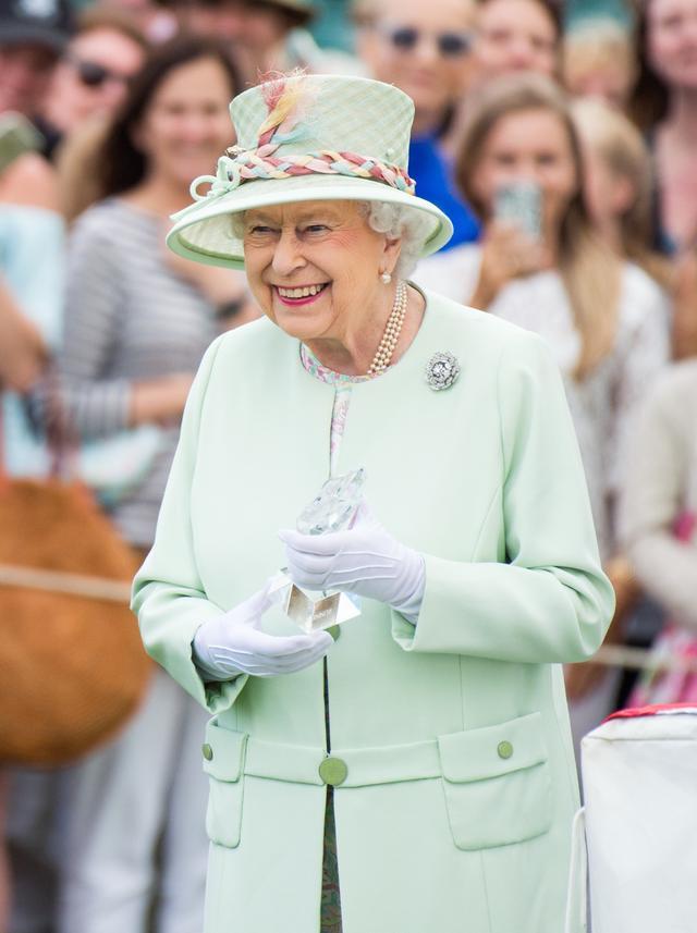 画像: エリザベス女王には専用メニューブックが