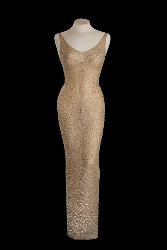 画像2: マリリン・モンロー、最後に公の場で着たドレスの落札予想額は2~3億円