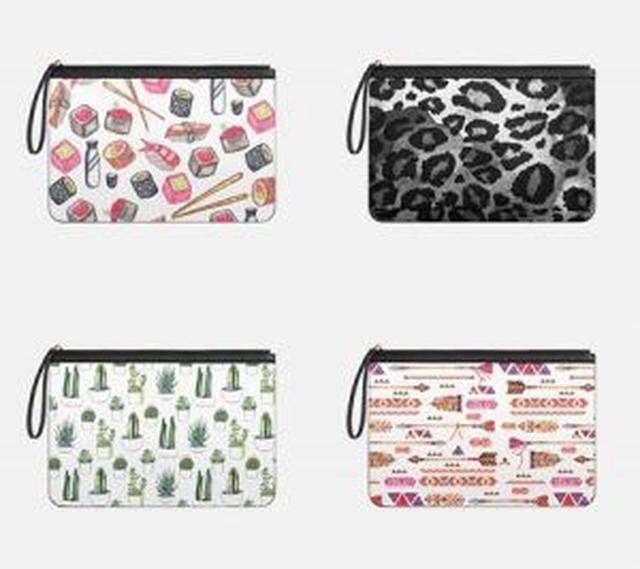 画像: お寿司柄のクラッチバッグには、お箸やおちょこもデザインされている。
