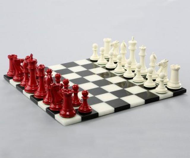 画像1: ベラ&エドワードのチェスセット 約149万6,000円