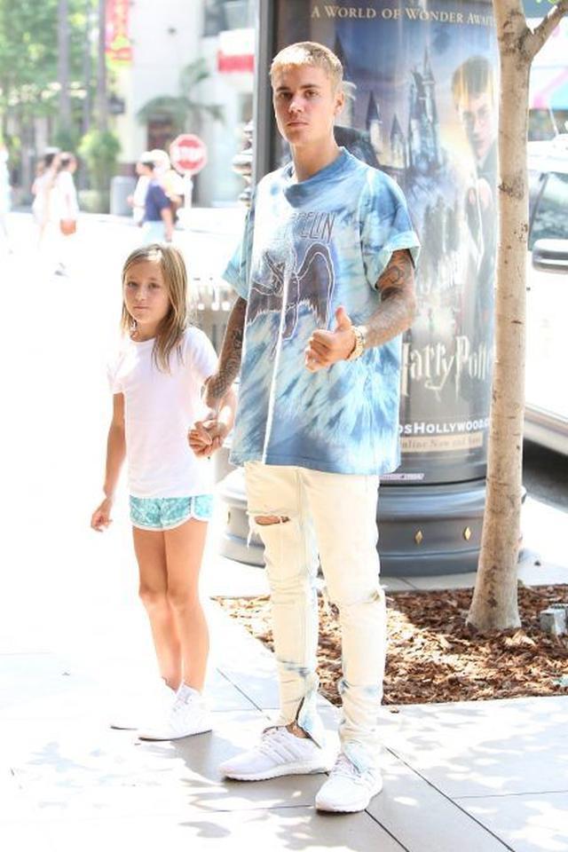 画像: この日は、LAにあるセレブもよく訪れている屋外ショッピングモール、ザ・グローブへ。