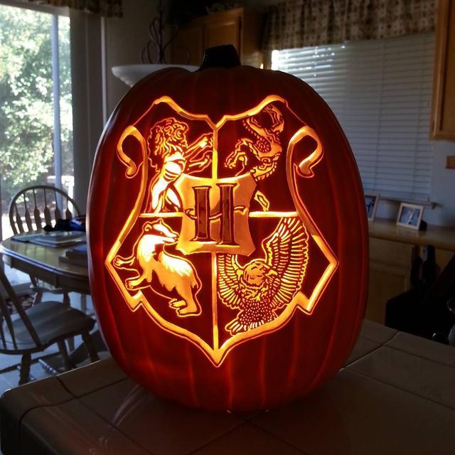 画像1: クオリティが高すぎる!ハロウィンの必需品であるかぼちゃの置物がすごいことに
