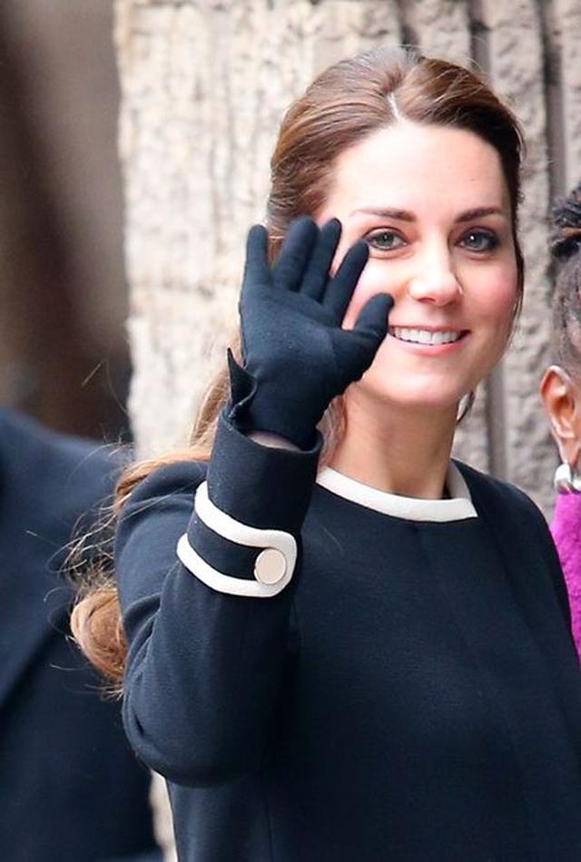 画像: シャーロット妃を身ごもっている時も防寒対策で愛用。