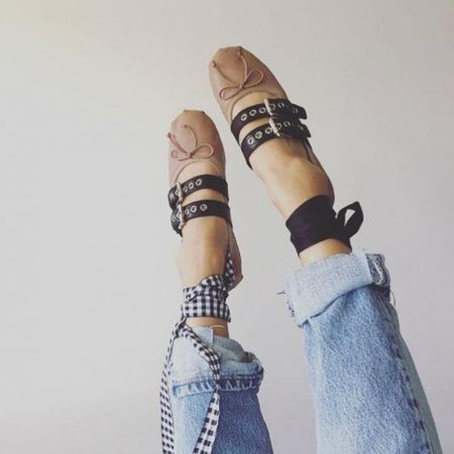 画像: おしゃれな人を虜にする、バレエ×パンクが融合したミスマッチ・シューズの魅力