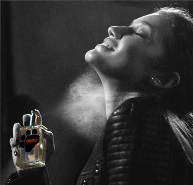 画像2: 思わずお腹が空きそう...お菓子「チートス」の匂いの香水が話題に