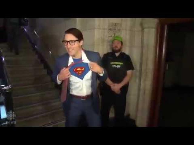 画像: Justin Trudeau dressed as Clark Kent for Halloween www.youtube.com