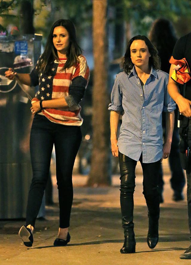 画像: エレン(右)とニーナ(左)が『フラットライナーズ』の撮影現場にて。