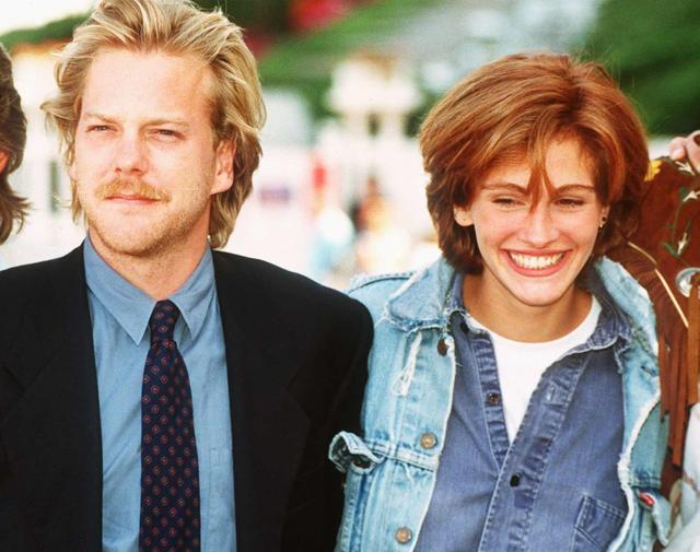 画像: 1990年のオリジナル版のキャストを務めたキーファーとジュリア。