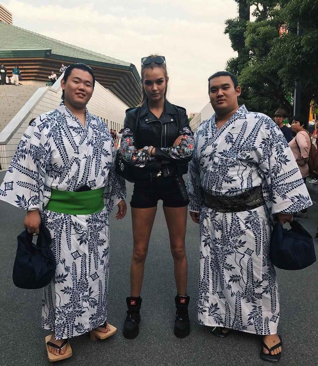 画像2: 相撲を観戦