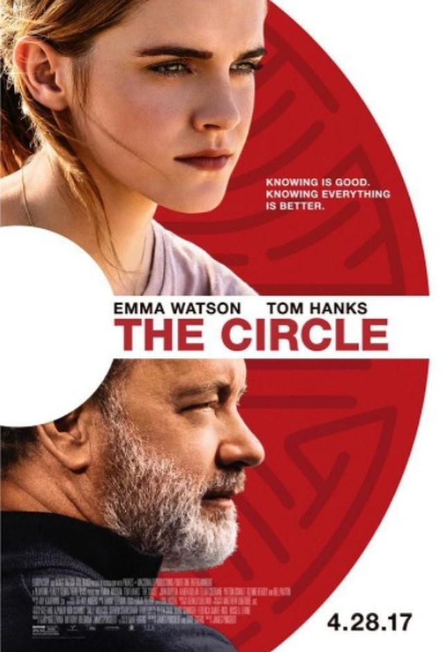 画像: エマの上司役を演じるのは、オスカー俳優のトム・ハンクス。