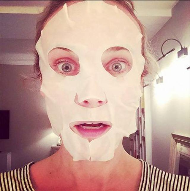 画像: 女優のダイアン・クルーガーもマスク顔を公開!