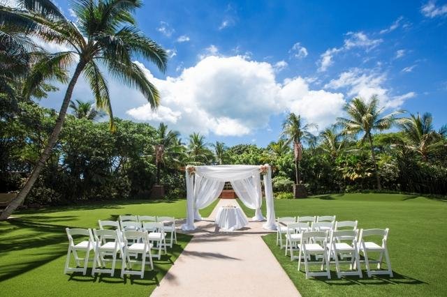 画像6: ミッキー、ミニー、スティッチが参列!ハワイで憧れのディズニー婚のキャラクターの衣装が一新