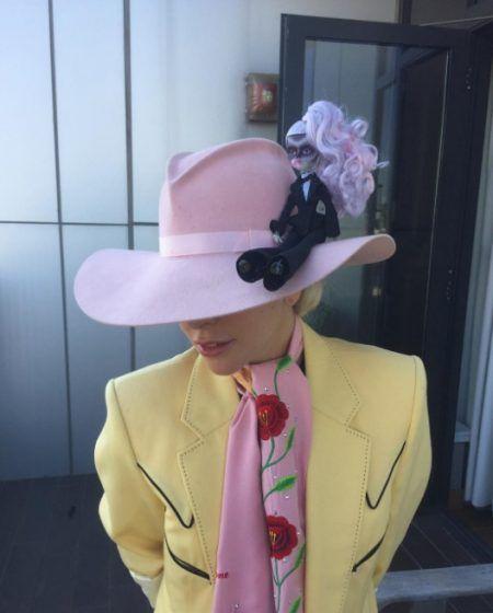 画像2: あの名曲MVでのレディー・ガガをモデルにしたキュートなゾンビ人形が誕生!