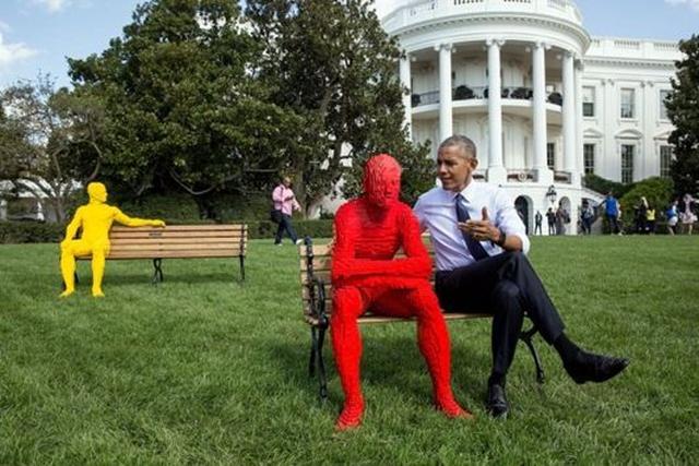 画像: オバマ米大統領のおちゃめな姿をとらえたホワイトハウスからの1枚