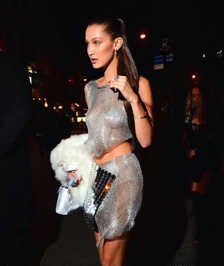 画像1: ベラ・ハディッドが誕生日パーティに着た凄すぎるドレスとは?