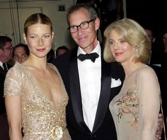画像: 両親とグウィネス。父はプロデューサーのブルース・パルトロー、母は女優のブルース・ダナー。