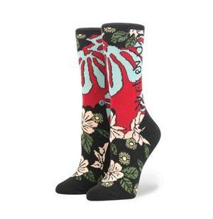 画像4: 「うるせえ」、芸者...、リアーナが日本風の靴下をデザイン