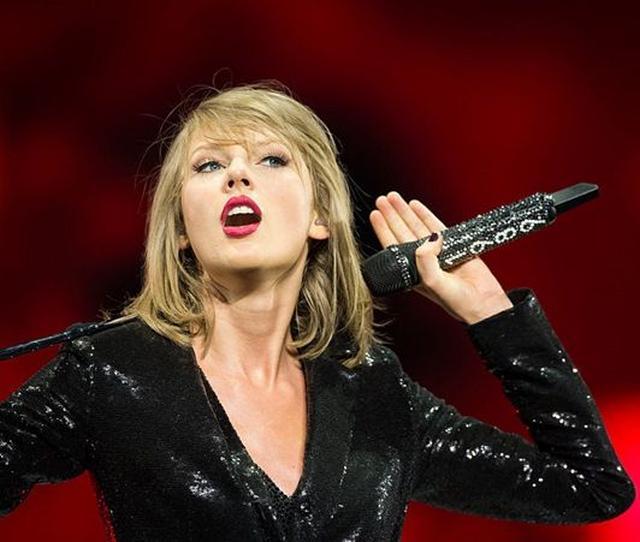 画像: テイラー・スウィフトのファンが信じる、今月のアルバム発表を示す5つのお告げ